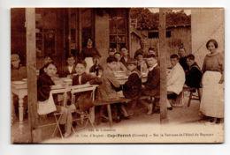 CP29156 - Cap-Ferret - Sur La Terrasse De L'Hôtel De Bayonne - Ecrite - Autres Communes