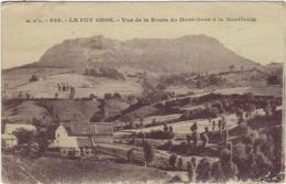 63  Le Puy Gros  Vue De La Route Du Mont-dore A La Bourboule - Otros Municipios