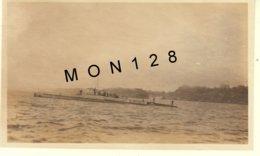 BRETAGNE- AOUT 1930 SUR LA ROUTE DE BREHAT,SOUS MARIN AU LARGE DE SAINT QUAY-- PHOTO DIM 11x7 Cms - Places