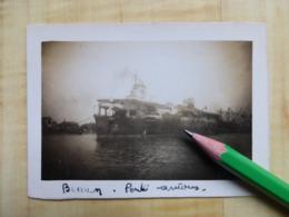 "LE ""BEARN"" A QUAI - PORTE AVIONS  PHOTOGRAPHIES - BATEAU MILITARIA NAVIRE GUERRE - Barche"