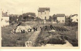 JUIN 1931 EMERAINVILLE COMBAULT SEINE ET MARNE MAISON JARDINS -PHOTO DIM 11x7 Cms - Places