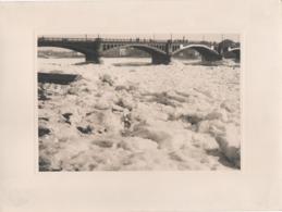 Nantes (Loire-Atlantique) - 12 Février 1956. La Loire Prise Par La Glace. Photographie Noir Et Blanc (17,7 Cm X 12,2 Cm) - Lieux