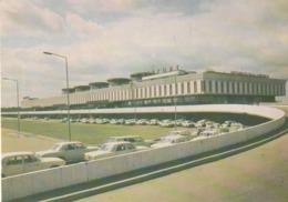 LENINGRAD   THE PULKOVO AIRPORT, 1973   CAR  AUTO'S - Toerisme