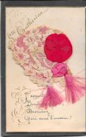 BONNET Sainte CATHERINE à Dentelle Sur Fond Rouge, Fleurs Et Pompons Tissu Rouge - Mechanical