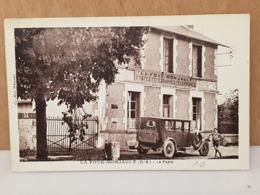 CPA Dpt 79 - La Foye Monjault - ( D.S. ) - La Poste Avec Voiture Et Enfant - 1933   (livraison Gratuit Pour La France) - Francia