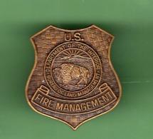 SAPEURS POMPIERS *** U.S. FIRE MANAGEMENT ***  2006 (122) - Brandweerman