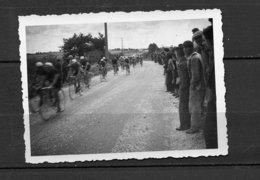 1 PHOTO COURSE CYCLISTE PARIS TOURS EN REGION INDRE ET LOIRE - INFO VENDEUR. - Cyclisme
