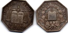 2 Jetons De Notaires : Pontoise Avec Napoléon III & Abbeville Avec Poignée De Mains Fraternelle - Professionals / Firms