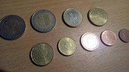 SERIE COMPLETE D'EURO PAYS BAS 2001 AVEC 2 € TYPE A ET TYPE B - Netherlands