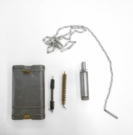 Nécessaire De Nettoyage Allemand RG 34 Spécial Pour Les Carabines D'entraînement En Calibre .22 (Kleinkalibergewehr) - 1939-45