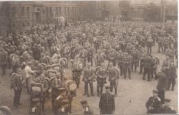 KARLSRUHE 3. August 1914 Mobilmachung Soldaten In Ausrüstung Original Fotokarte Fast TOP-Erhaltung Ungelaufen - Guerre 1914-18