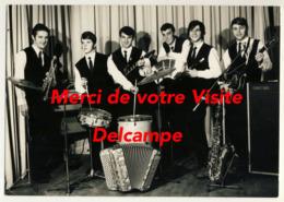 39 - Lons Le Saunier - Les Compagnons Du Rythme - Orchestre Du Foyer Rural De Censeau - 2 Scans - Artistas
