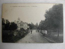 FORGES LES BAINS - L'Arrivée (animée) - Other Municipalities