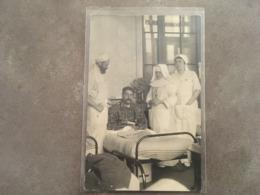 POILUS SUR SON LIT D'HOPITAL DATE 1914  JOURNAL LE PETIT MARSEILLAIS   MARSEILLE ? - Guerra 1914-18