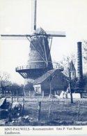 SINT-PAUWELS - Sint-Gillis-Waas (Oost-Vlaanderen) - Molen/moulin - De Nog Bestaande Roomanmolen Met De Kerk Ca. 1960 - Sint-Gillis-Waas
