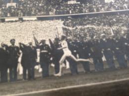 OLYMPISCHE SPIELE - BERLIN - OLYMPIA-STADION - 1936 - FACKELSTAFFEL-LAEUFER WIRD BEGRUESST - BRIEFMARKE - Olympic Games