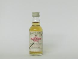 1 Mignonnette De Whisky JAMES MARTIN'S V.V.O. - Mignonnettes