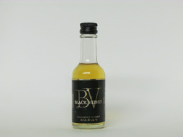 1 Mignonnette De Whisky BLACK VELVET - Miniatures