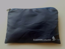 Singapore Airlines Amenity Zipper Bag W Sock Tooth Brush Tooth Paste (#3) - Stationery