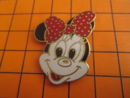 """1519 Pin's Pins : BEAU ET RARE : Thème DISNEY / TETE DE MINNIE AVEC UN NOEUD PAPILLON DANS LES """"CHEVEUX"""" - Disney"""