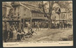 Indo-Chine. Un Village Laotien. Missions Etrangeres De Paris. Collection Propagation De La Foi 15.   Vad60 - Laos