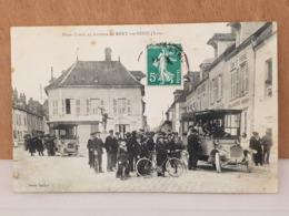 CPA Dpt 10 - Méry Sur Seine (Aube) Place Croala Et Autobus - 1900 (livraison Gratuit Pour La France) - Francia