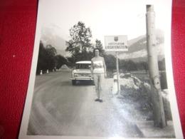 SNAPSHOT / PHOTO AMATEUR FORMAT 8.5/8.5  CITROEN AMI 6 1964 LIECHTENSTEIN FURSTENTUM - Automobiles