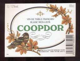 Etiquette De Vin  Coopdor  -  Cop Normandie Picardie  à  Bonsecours  (76)  -   Thème Oiseau - Labels