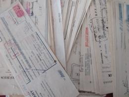 Lot De Soixante Lettre De Change En Majorité Timbré Fiscalement Période 1900 à 1965 Tout Commerces Et Entreprises - Bills Of Exchange