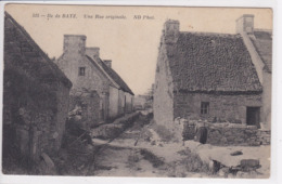 44 ILE De BATZ Une Rue Originale - Batz-sur-Mer (Bourg De B.)