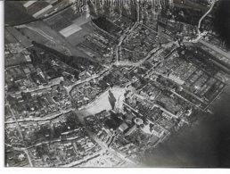 PHOTO  NORD WW1 SAINT-AMAND-LES-EAUX Vue Aérienne D'ensemble Pendant La Guerrre Dim : 11x8 Cms - Krieg, Militär
