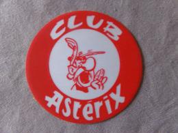 Ancien Autocollant Tissu Club Astérix Bande Dessinée  Neuf Diamètre 8 Cm - Stickers