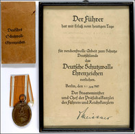 Verleihungsurkunde Für Das Deutsche Schutzwall-Ehrenzeichen, Datiert Berlin 30. Januar 1941, Mit Kleinem Reichssiegel, G - Documenti