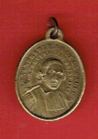 MEDAILLE LAITON 1830 VIERGE MARIE ET LE VENERABLE JEAN BAPTISTE DE LA SALLE 1651 1719 CANONISE EN 1900 - Religion & Esotérisme