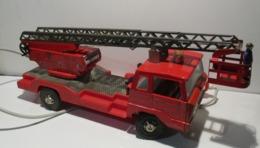 JOUSTRA  CAMION POMPIER - Oud Speelgoed