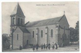 GOUEX ( 86 - Vienne ) - Vue De L'Eglise Prise De Côté ( Rue , Place Animée , Personnes ) - TTB Etat - Francia