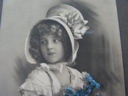 Schönes  Mädchen Mit Blumenkorb Portrait, Fillet, Girl, Child 1914 - Portraits