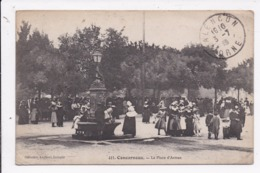 CP 29 CONCARNEAU La Place D'Armes - Concarneau