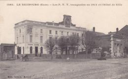 Nièvre - Le Neubourg - Les P. T. T. Inaugurées En 1912 Et L'Hôtel De Ville - Le Neubourg