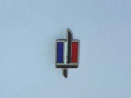 Pin's ARMEE DE TERRE A - Militares