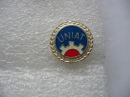 Pin's UNIAT (Union Nationale Invalides Accidentés Travail) - Geneeskunde