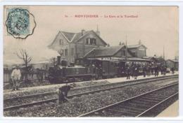 CPA  MONTDIDIER  -  La Gare Et Le Tortillard - Montdidier