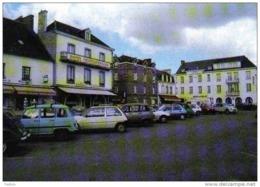 Carte Postale 35. Dol-de-Bretagne Et Les Hotels Renault 4L  Trés  Beau Plan - Dol De Bretagne