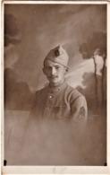 Rare Photo Carte Caporal Du 319 Avec Chevron Présence Sur Le Front Et Insigne De Spécialité Croix De Guerre - 1914-18