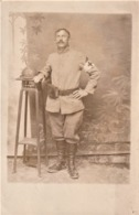 Rare Photo Carte Infirmier Avec Casque Adrian (détail Interressant Boue Sur Ses Chaussures) - 1914-18