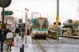 St. Denis (93) Février 2004 - Tramway - Ligne T1 - Rame 209 Au Terminus De St. Denis - Saint Denis