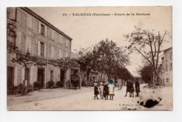 - CPA VALRÉAS (84) - Cours De La Recluse 1913 (GRAND HOTEL BLANC) - Edition H. Moulin N° 22 - - Valreas
