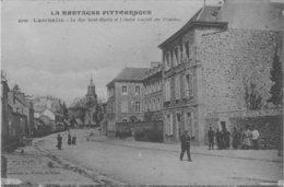 LAMBALLE La Rue Saint Martin Et L'ancien Couvent Des Ursulines - Lamballe