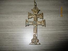 Ancienne Croix De Caravaca En Bronze 18 éme - Religion & Esotérisme