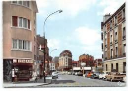 Fontenay-sous-Bois. La Rue Dalayrac Cpsm Edit Cim;  Station Essence ESSO  Renault 4L. Opticien - Voitures - Fontenay Sous Bois